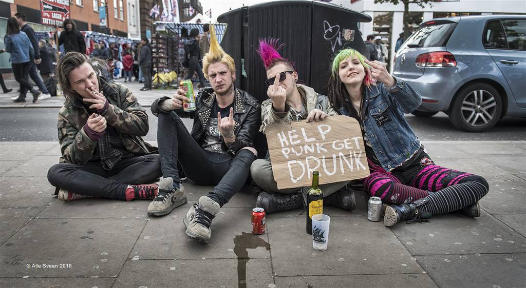 Atle Sveen – Help Punk Get Drunk – Photo Travel