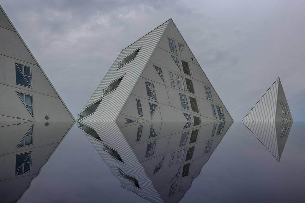 Jan Romanowski - Spiegelung Aarhus - FIAP Ribbon