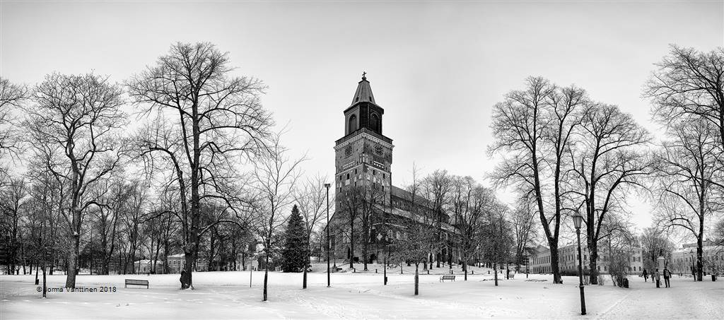 Jorma Vanttinen – A Grey Winter Day at Turku Cathedral – Photo Travel