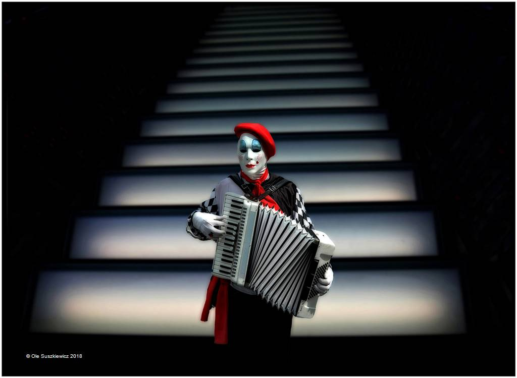 Ole Suszkiewicz – Harmonica Clown – Open Colour
