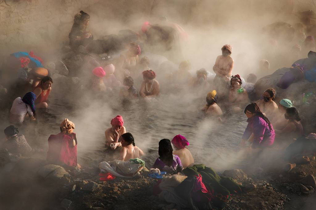 1Tracy Shuxi Feng_Soothing in the Hot Spring_PSA Gold medal_EPSA_Projected Digital Images Photo Travel
